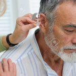 پیرگوشی و درمان آن با سمعک نامرئی